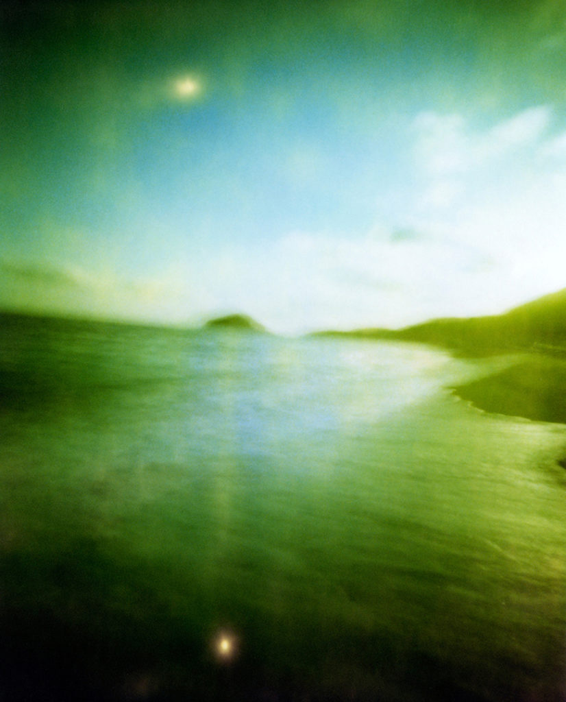 Spiaggia dei Maronti, Ischia. Il sole si riflette nel mare